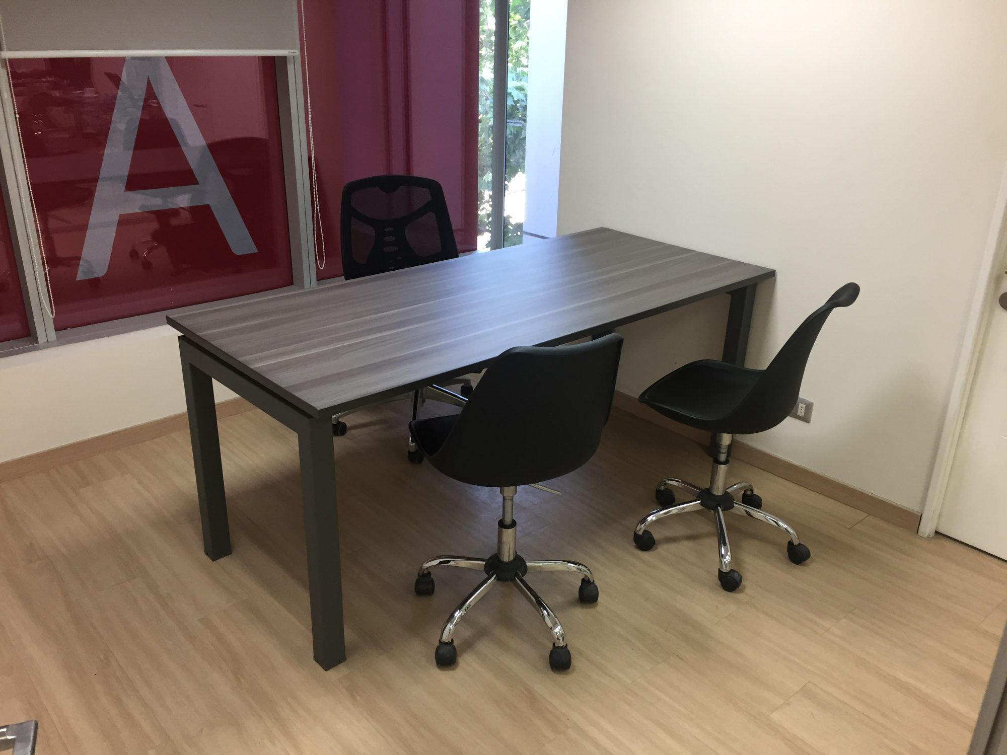 Mobiliario oficina pamplona good mobiliario de oficina - Muebles baratos en vitoria ...